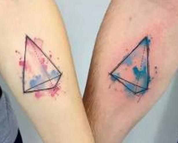 手腕情侣纹身图案